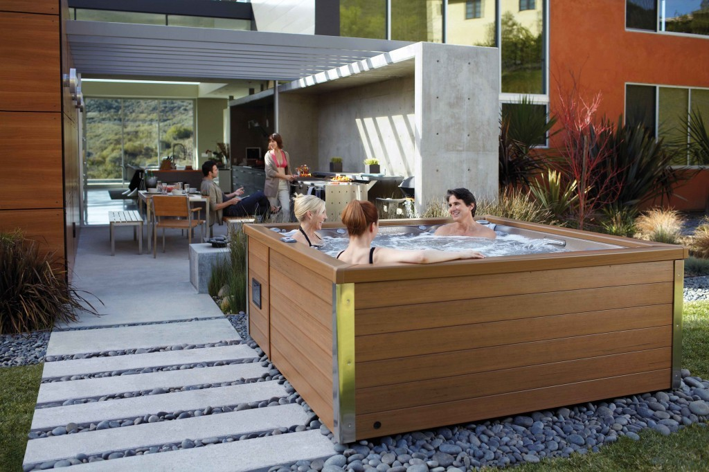 Spas 4 5 places jacuzzi spas bordeaux en gironde for Spa avec piscine paris
